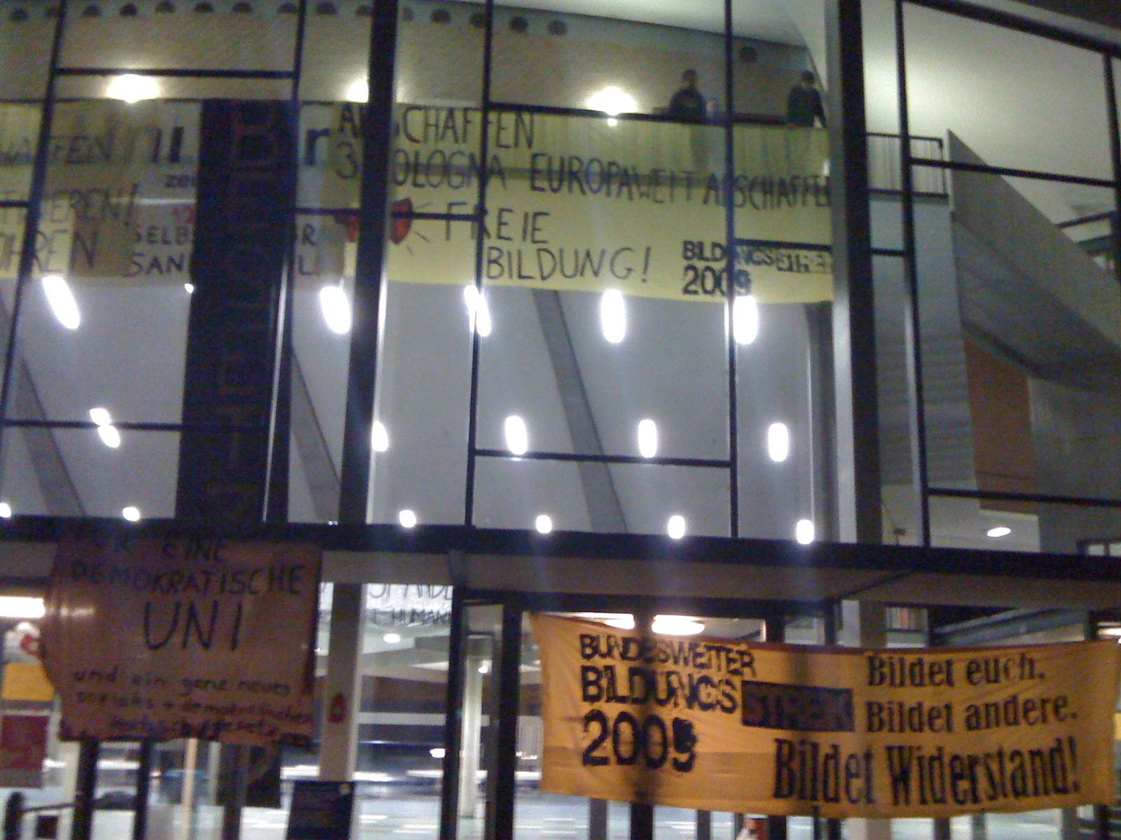 Uni Hamburg - Audimax besetzt